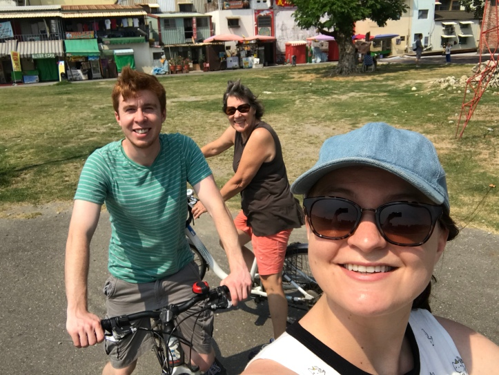 Took a bike ride around Kaohsiung with Stephen and his mom!